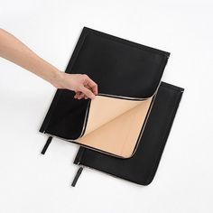 Through the exploration of utilitarian materials + forms, Building Block suggests a minimalist alternative to accessories, finding continual inspiration in returning to square one. Macbook Air Sleeve, Macbook Case, Laptop Case, Minimalist Bag, Minimalist Living, Branded Bags, Leather Interior, Tech Accessories, Black Leather