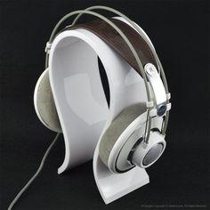 Acrylic Omega Headphones Stand / Headset Holder / Desk Display Hanger, Fit Audio-Technica, Bose QC3, QC2, QC15, AE2, AKG, Sennheiser, JVC, Philips, Monster Beats Studio Solo, Logitech DJ, Professional, Gaming Headset and Many Earphones (White): Amazon.ca: Electronics