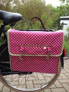 First Time- a Idea was born - Tres chic: Fahrradtasche aus Wachstuch.