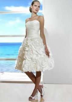 taffeta and organza strapless rouched bodice and short flower skirt fashion 2011 beach wedding price 214.00 updatedress.com