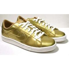 We want gold shoes! :)
