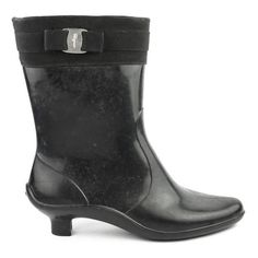 Pre-Owned Salvatore Ferragamo Black Mid Length Rainboots ($175) ❤ liked on Polyvore featuring shoes, boots, black, rain boots, black buckle boots, wellington boots, mid-heel boots and wellies boots