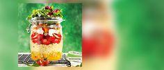Quinoa-Schichtsalat mit Datteln und Feta