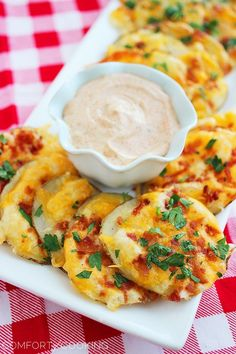 Cheesy Bacon Oven Chips with Chipotle Ranch Dipping Sauce - The Comfort of Cooking