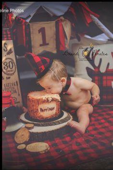 Baby boy cake smash children 50 Ideas for 2019 Baby Boy First Birthday, First Birthday Parties, Birthday Gifts, 1st Birthday Pictures, Birthday Ideas, Lumberjack Birthday Party, 1st Birthdays, Cake Smash, 1 Year