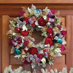 Holiday Frost Wreath - Small