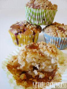 kleinundzuckersüß: Zweierlei Streuselmuffins: Himbeer und Apfel