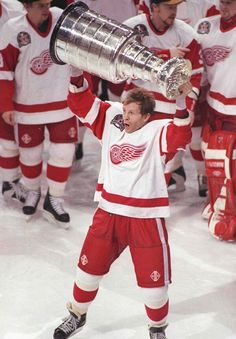 Vladimir Konstantinov Hoists The 1997 Stanley Cup Detroit Red Wings 1997 Stanley Cup Champions. Vlady is my hero! An amazing man! Detroit Hockey, Detroit Sports, Pittsburgh Penguins Hockey, Detroit Tigers, Sports Teams, Metro Detroit, Detroit Michigan, Kings Hockey, Hockey Girls