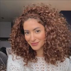 Curly Hair Easy Updo, Curly Hair Styles Easy, Curly Hair With Bangs, Curly Hair Tips, Curly Hair Care, Hairstyles With Bangs, Natural Hair Styles, Long Hair Styles, Style Curly Hair