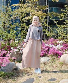 Hijab Fashion Summer, Modest Fashion Hijab, Modern Hijab Fashion, Street Hijab Fashion, Casual Hijab Outfit, Hijab Fashion Inspiration, Islamic Fashion, Muslim Fashion, Fashion Outfits
