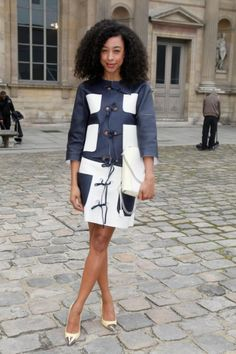 Corinne Bailey Rae Louis Vuitton Fall 2012 Show Paris Fashion Week  Picture 1