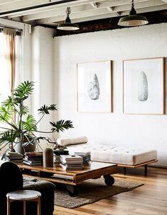 A Furniture Designer's New York-Style Loft Apartment.In West Melbourne! The Design Files – A Furniture Designer's New York-Style Loft Apartment. Design Apartment, Apartment Interior, Apartment Living, Loft Apartment Decorating, Apartment Styles, White Apartment, Apartment Therapy, New York Loft, New Yorker Stil
