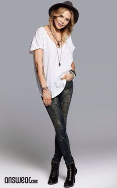 #casual #mystyle Rock Style, My Style, Grunge Fashion, Style Icons, Lace Skirt, Hair Makeup, Sporty, Hairstyle, Celebs