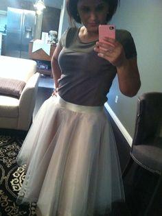 My diy tulle skirt! http://bowtiesandbaubles.wordpress.com/2013/02/06/diy-anthropologie-karinska-tulle-skirt/