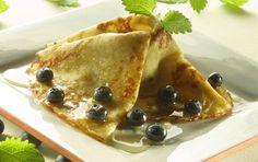 Blueberry pancakes via arla.dk