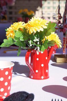 Minnie Mouse festa de Aniversário temático via Idéias de Kara Partido | KarasPartyIdeas.com #minniemouse #minniemouseparty #partyideas #partystyling #eventplanner #mickeymouse (19)