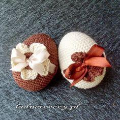 crocheted eggs / szydełkowe jaja Easter Crochet, Crochet Crafts, Fabric Yarn, Fiber Art, Easter Eggs, Diy And Crafts, Projects To Try, Crochet Patterns, Sewing