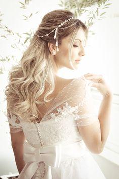 Editorial Andrezza Medina - Tiara Delos Tulle Noivas #noivas #brides #casamento #wedding #bridal #delos #tiara #headband