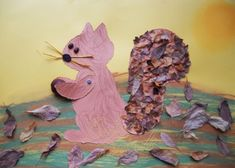 "Ecureuil en ""feuilles"" Forest Animal Crafts, Forest Animals, Insect Crafts, Crafts For Kids, Arts And Crafts, Step Kids, Autumn Leaves, Squirrel, Decoupage"
