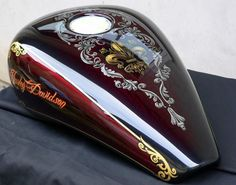 Custom Motorcycle Parts, Motorcycle Tank, Custom Motorcycles, Car Pinstriping, Paint Photography, Bike Art, Car Painting, Kustom, Pictures To Draw