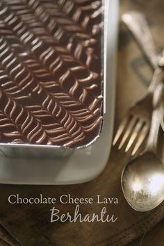 New chocolate recipes desserts lava cakes Ideas Chocolate Lava Cake, Chocolate Cheese, Oatmeal Chocolate Chip Cookies, Chocolate Desserts, Chocolate Box, Pastry Recipes, Cake Recipes, Dessert Recipes, Cream Cheese Homemade