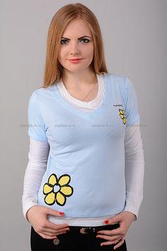Кофта В1442 Цена: 182 руб Стильная домашняя кофточка приятной расцветки, выполнена из тонкого материала. Модель с V-образным вырезом горловины и длинными рукавами. Состав: 100 % хлопок. Рост модели на фото: 170 см. Страна производства: Китай. Размеры: 42-50  http://odezhda-m.ru/products/kofta-v1442  #одежда #женщинам #домашняяодежда #одеждамаркет