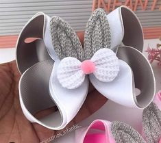 Baby Hair Bands, Boutique Hair Bows, Ribbon Hair, Headbands, Girl Fashion, Baby Shoes, Ribbon Embroidery Tutorial, Women's Hair Accessories, Hair Barrettes