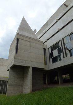 Couvent de La Tourette Le Corbusier à Eveux