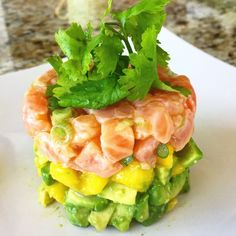 salmon avocado and mango ceviche gluten free Salmon Recipes, Fish Recipes, Seafood Recipes, Mexican Food Recipes, Appetizer Recipes, Appetizers, Cooking Recipes, Healthy Recipes, Ceviche Recipe Salmon