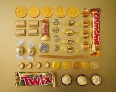 Série de fotografias da americana Emily Blincoe reúne diferentes doces de acordo com suas cores.