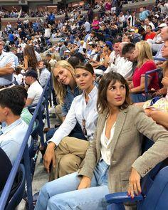 Time for Fashion The Sartorialist, Jeanne Damas, Donna Karan, Sandro, Parisian Chic Style, American Eagle Outfitters, Tennis Fashion, Future Clothes, Mini Vestidos
