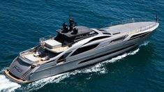 Pershing 140 superyacht shoots for high-speed thrills and on-water leisure Fast Boats, Speed Boats, Power Boats, Yacht For Sale, Boats For Sale, Pershing Yachts, Yacht World, Sport Yacht, Lower Deck