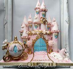 Disney Princess Birthday Cakes, Princess Birthday Party Decorations, Elegant Birthday Cakes, Cinderella Birthday, 40th Birthday Cakes, Princess Party, Princess Cakes, Big Wedding Cakes, Luxury Wedding Cake