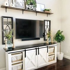 46 Popular Living Room Decor Ideas With Farmhouse Style - hoomdesign Living Room With Tv, Small Living Rooms, Living Room Designs, Tv Stand Ideas For Living Room, Cheap Home Decor, Diy Home Decor, Living Room Furniture, Living Room Decor, Modern Furniture