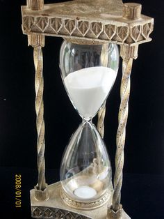Vintage Hour Glass Large 60 minute Hour Glass $43.50 USD and I need it