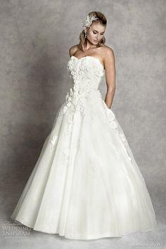 http://weddinginspirasi.com/2012/02/08/amanda-wyatt-wedding-dresses-enchanted-bridal-collection/ amanda wyatt 2012 enchanted collection lydia #weddings #bridal #weddingdress