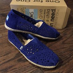 NWT TOMS Royal Blue Suede Moroccan Cutout Flats 10 New, never worn! Horse are soft suede in royal blue with the logo on the back heel. TOMS Shoes Flats & Loafers