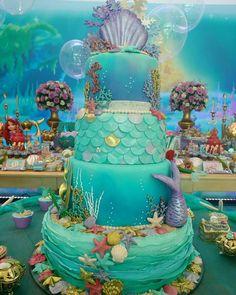 How to Make a Mermaid Birthday Cake Baby Shower Ideas for Girls Little Mermaid Cakes, Mermaid Birthday Cakes, Little Mermaid Parties, Birthday Cake Kids Boys, Boy Birthday Parties, Birthday Party Decorations, Party Themes, Cake Birthday, Rainbow Petal Cake