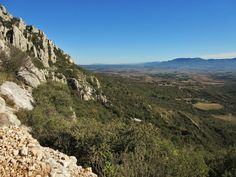 Hike+up+Ste+Victoire+Mountain+from+Puyloubier