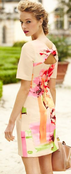 So pretty and feminine! #lordandtaylor #florals