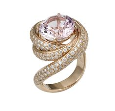 Cartier Trinity de Cartier Ruban ring in pink gold, set with a pink lilac kunzite and fully diamond pavéd