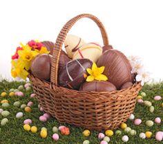 D'où viennent les œufs en chocolat, les cloches, le lièvre de Pâques ou l'agneau pascal? Découvrez l'histoire et les origines d'une célébration riche en symboles, aujourd'hui vraie fête familiale. Un événement riche de l'héritage de traditions et croyances juives, chrétiennes mais aussi païennes.