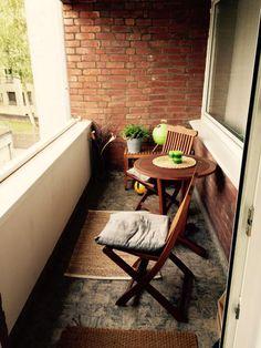 Gemütlicher Balkon mit Sitzgelegenheit - Wohnung in Köln-Mauenheim. #balkon #balcony #köln