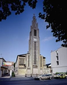 1920's reinforced concrete church by architect Auguste Perret changes the face of modern design.