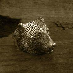 Animal Ring (bear) 熊×アイヌ=北海道 熊の指輪 100歳の少年 Viking Jewelry, Brass Jewelry, Jewelry Art, Jewelry Rings, Jewelry Design, Jewellery, Animal Rings, Animal Jewelry, Ainu People