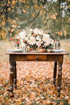 presentation idea for a wedding table - guest book, escort cards, cake ...