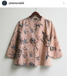 Model Dress Batik, Batik Dress, Fashion Wear, Hijab Fashion, Blouse Batik Modern, Batik Muslim, Batik Blazer, Mode Batik, Batik Kebaya