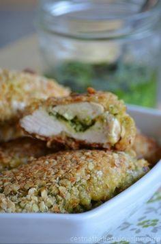 Des croustillants de poulet aux flocons d'avoine et pesto de blettes maison. Une…