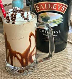 This decadent dessert drink is perfect for those of you who love Irish Coffee. A frozen boozy drink that is sure to please anyone! Coffee Drink Recipes, Alcohol Drink Recipes, Coffee Drinks, Punch Recipes, Baileys Drinks, Baileys Recipes, Baileys Iced Coffee, Fireball Recipes, Fondue Recipes