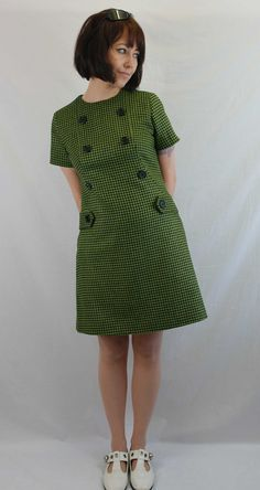 Hounds tooth with big buttons